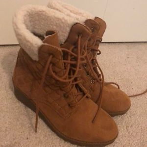 Girls size 2 Mia small wedge boot. Never worn.